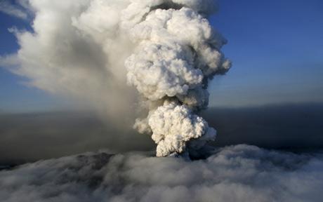 volcano-cloud_1619580c